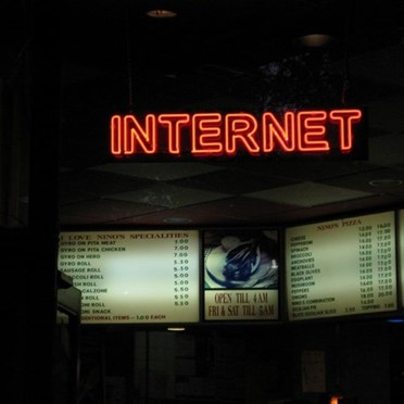 What is the Difference Between the Internet and the World Wide Web?