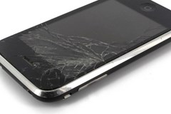 INFOGRAPHIC: How Damaged Smartphones Cause Billions in Losses